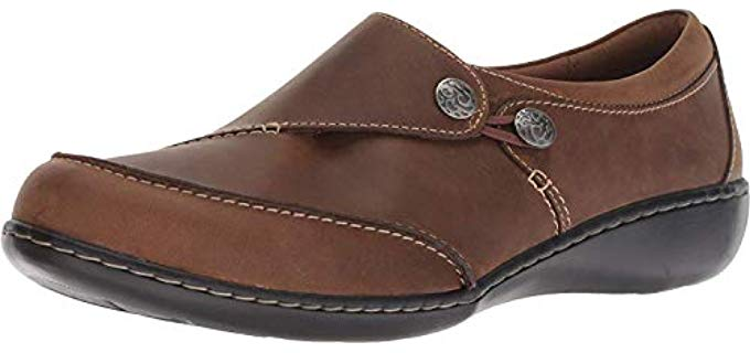 Clarks Women's Ashland - Slip on Arch Support Loafer