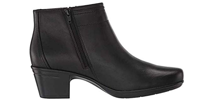 Clarks Women's Emslie Monet - Ankle Work Boot